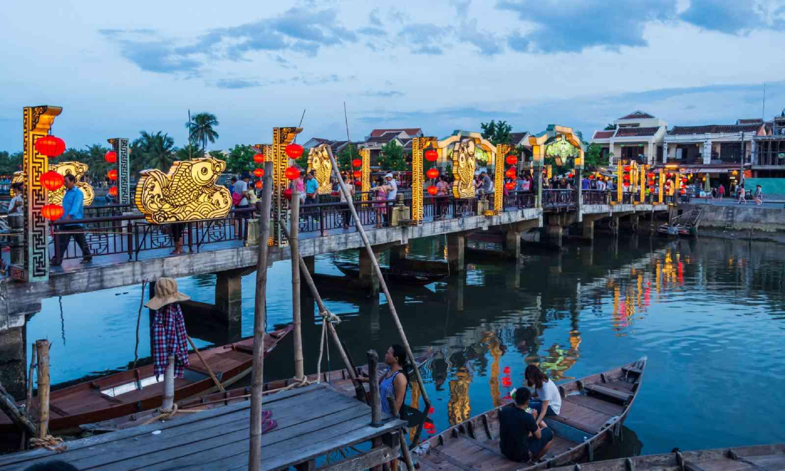 Cau An Hoi bridge over the Thu Bon River (Shutterstock)