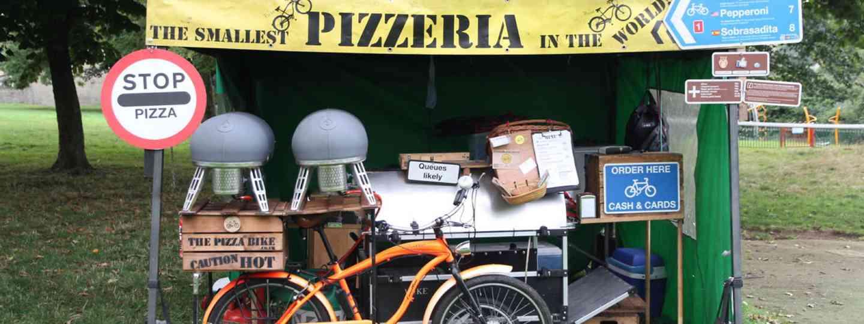 A bike making pizza (thepizzabike.co.uk)
