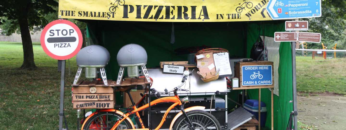A bike making pizza (thepizzabike.co.uk)