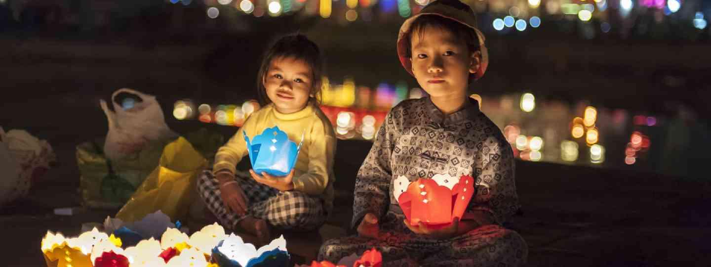 Selling handmade lanterns, Hoi An (Shutterstock)