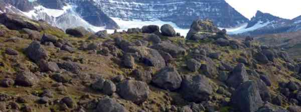 Walkers rest to take in majestic Stórurð (Clare Wilson)