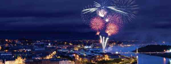 Fireworks light up Derry's once-embattled walled westside (Tourism Ireland)