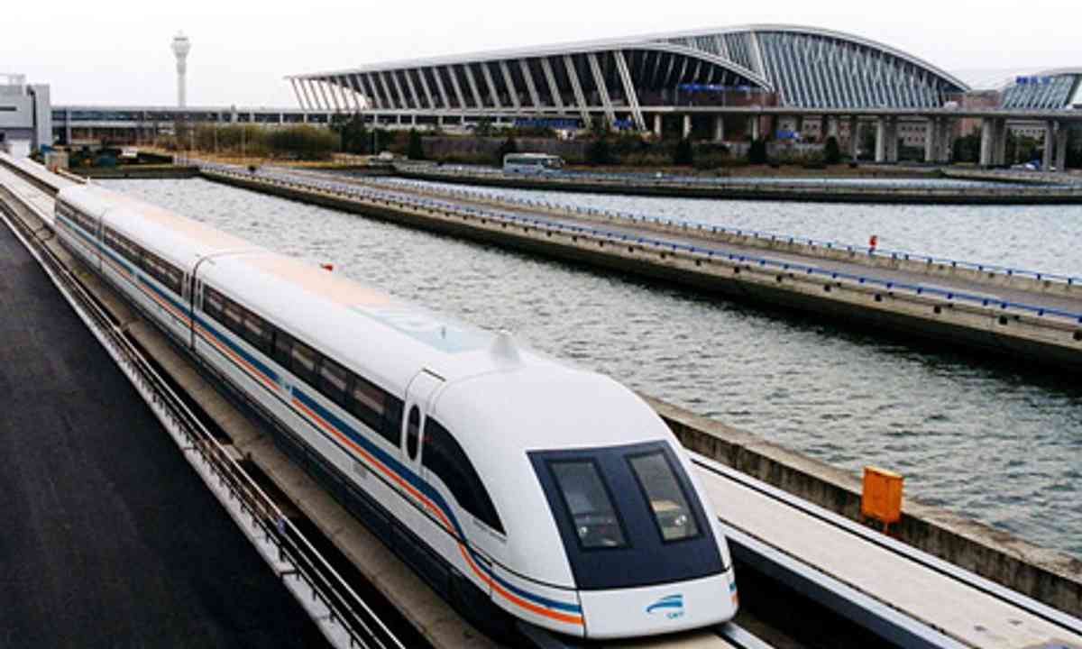 Maglev, Shanghai (Wiki Images, Alex Needham)