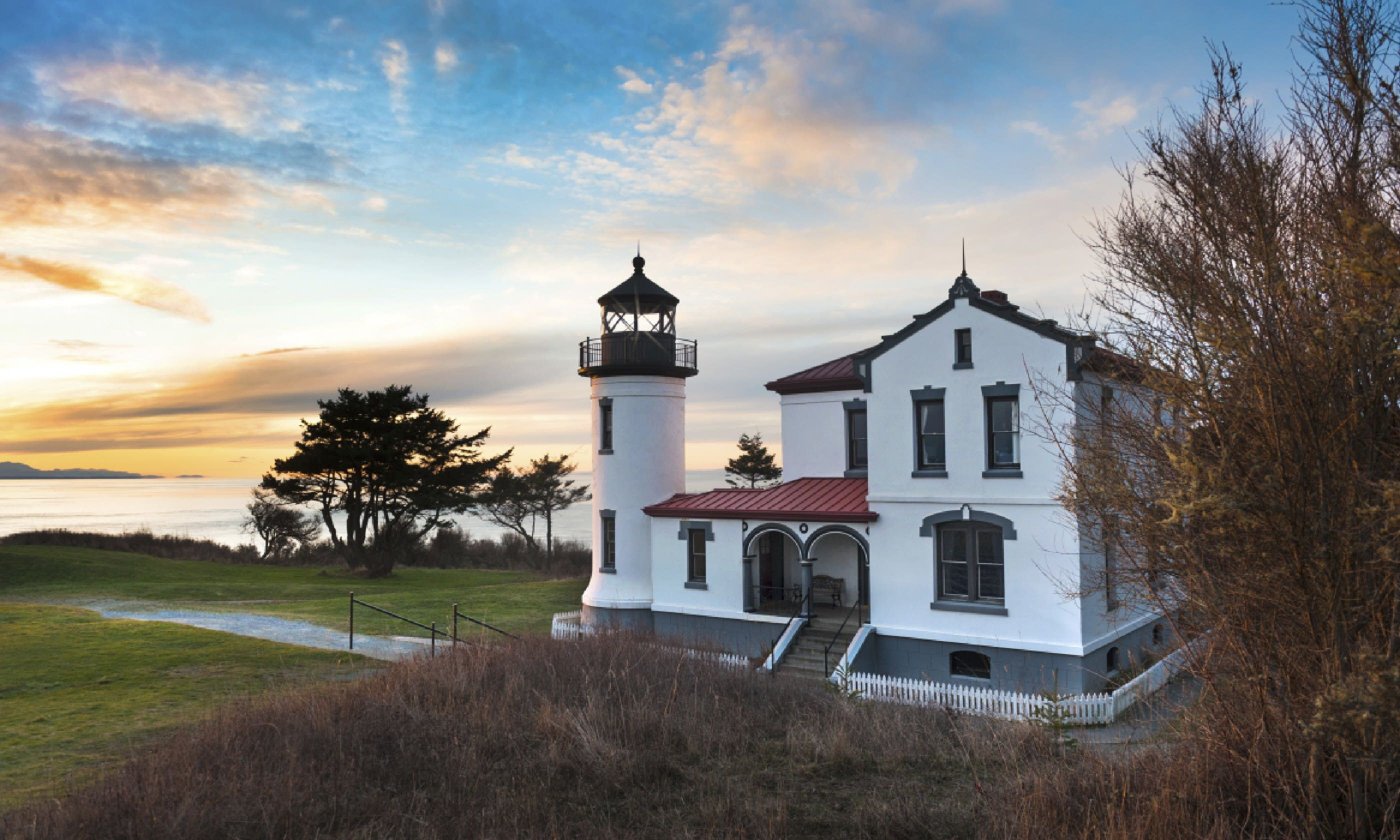 Admiralty Head lighthouse, Whidbey Island (Shutterstock)