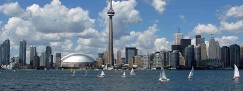 Toronto's skyline (dreamstime)
