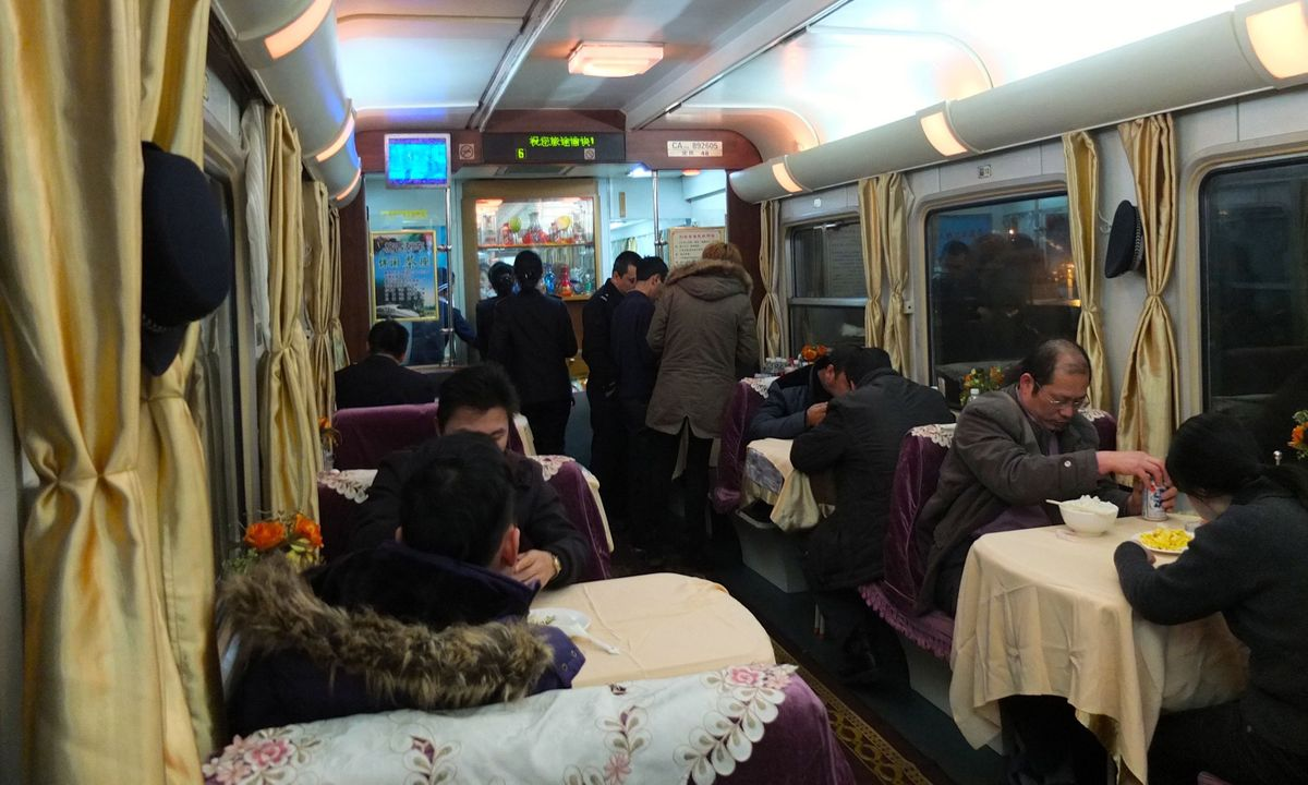 How to eat well on Chinese trains