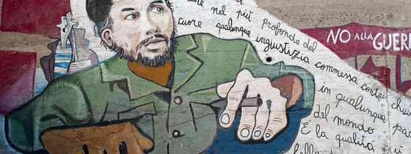 Che Guevara mural in Orgosolo, Sardinia (Shutterstock: see main credit below)