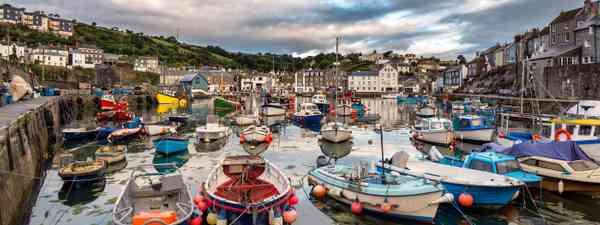 Mevagissey harbour (Shutterstock: see credit below)
