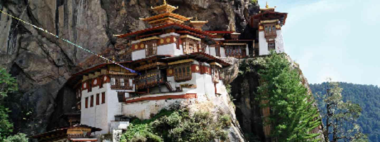 Exploring mountain monasteries in Bhutan (iStock)
