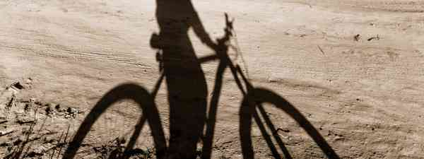 Silhouette of cyclist (Shutterstock)