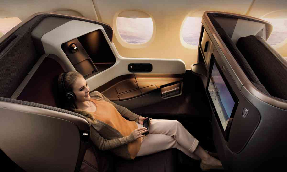 Flying first class (Singapore Airlines)
