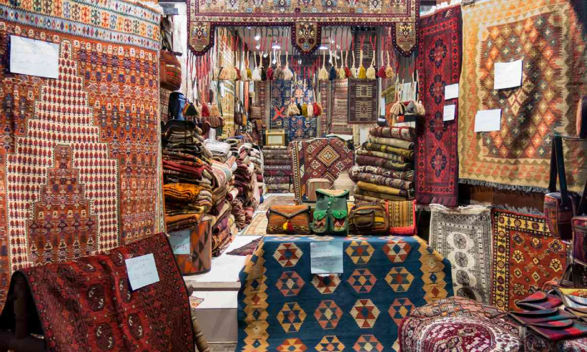 Carpets for sale in a Dubai souk (Shutterstock)