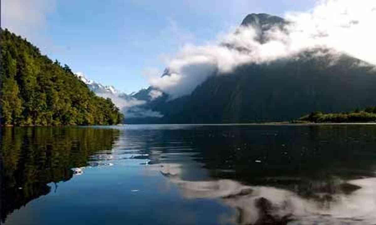 Milford Sound (Wanderlust)