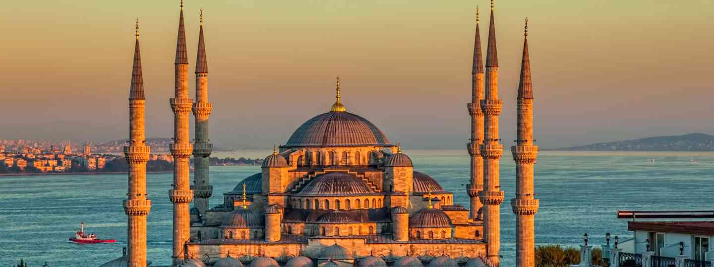 The Blue Mosque beckons (Shutterstock.com. See main credit below)