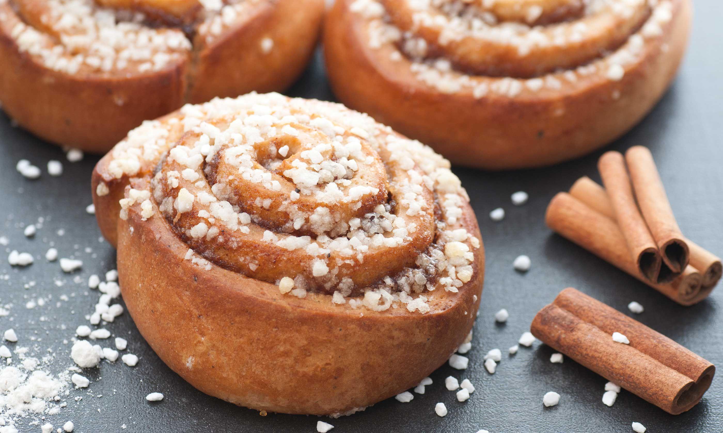 Lush Homemade Sweet Buns - 6 Baking Recipes 18