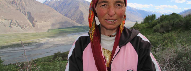 A Pamiri lady outside her house in the Wakhan Corridor (Antonia Bollingbroke-Kent)