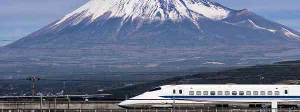 Shinkansen zooms past Mt Fuji (Shutterstock.com. See main credit below))