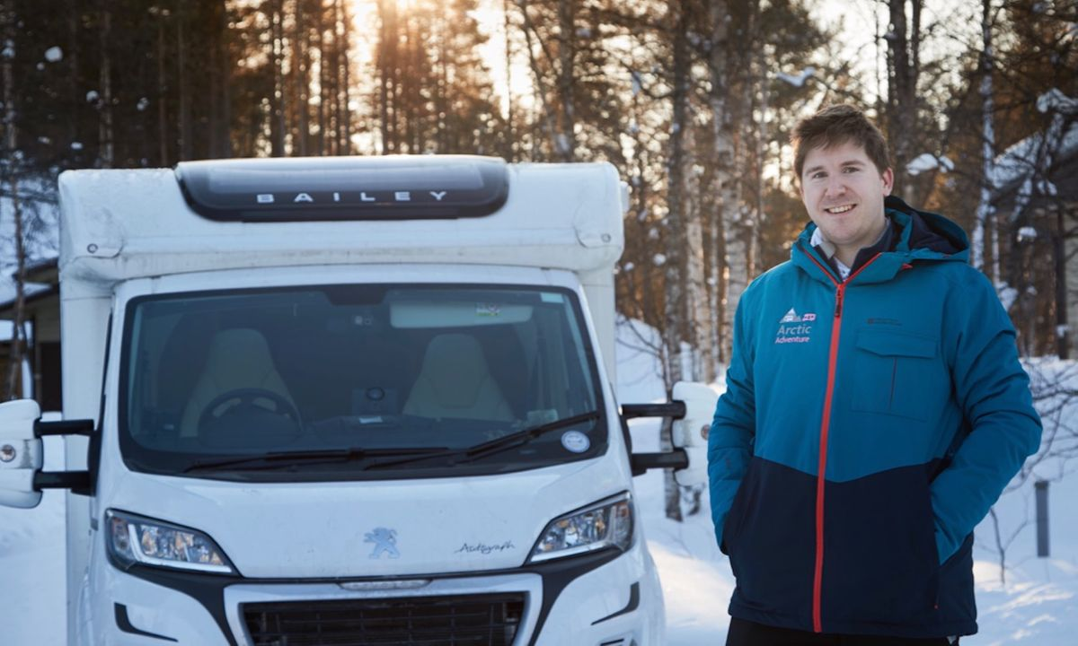 Ice driving and spending a night in a motorhome in Finnish Lapland