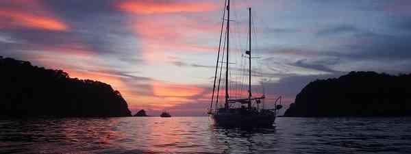 Sunset over Ko Rok (Jamie Furlong. See main credit below)