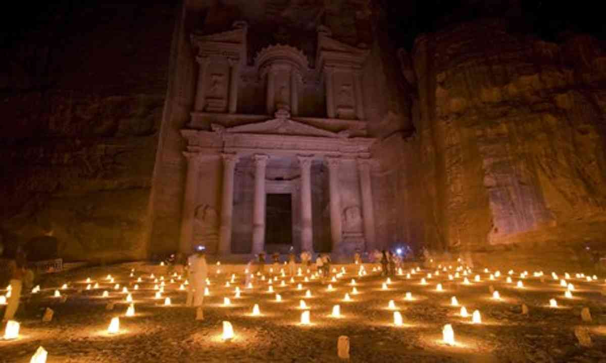 Petra by candlelight (Wanderlust)