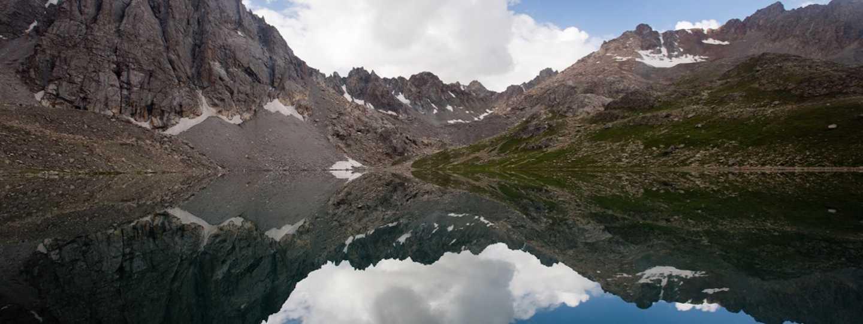 Boz-Uchuk Lakes trek (Stephen Lioy)