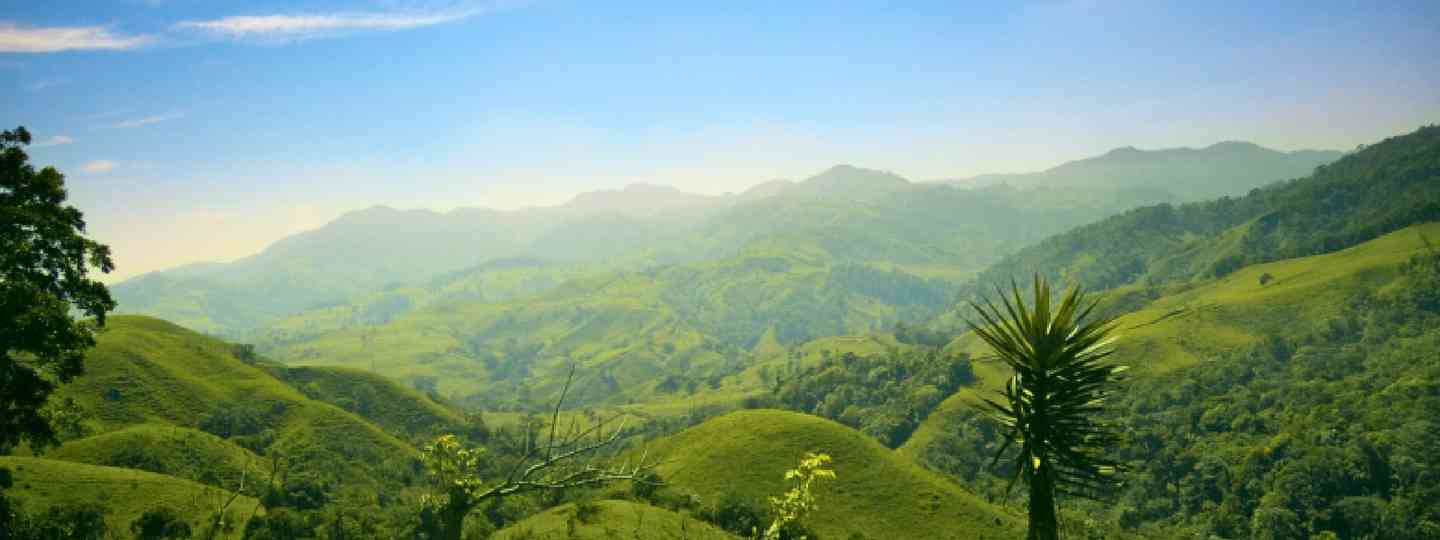 Costa Rica hills and mountains (Shutterstock: see credit below)