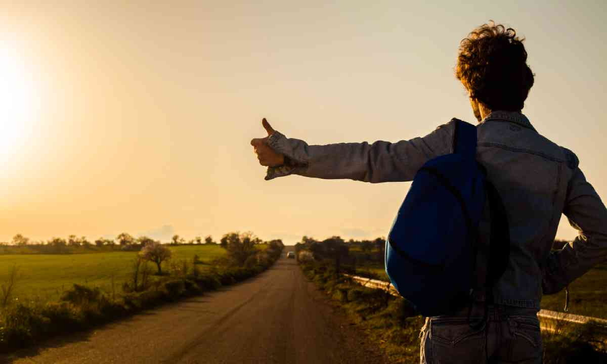 Hitchhiking (Shutterstock)