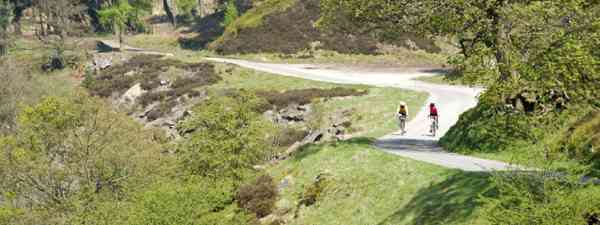 Cyclists in the Peak District (Shutterstock)