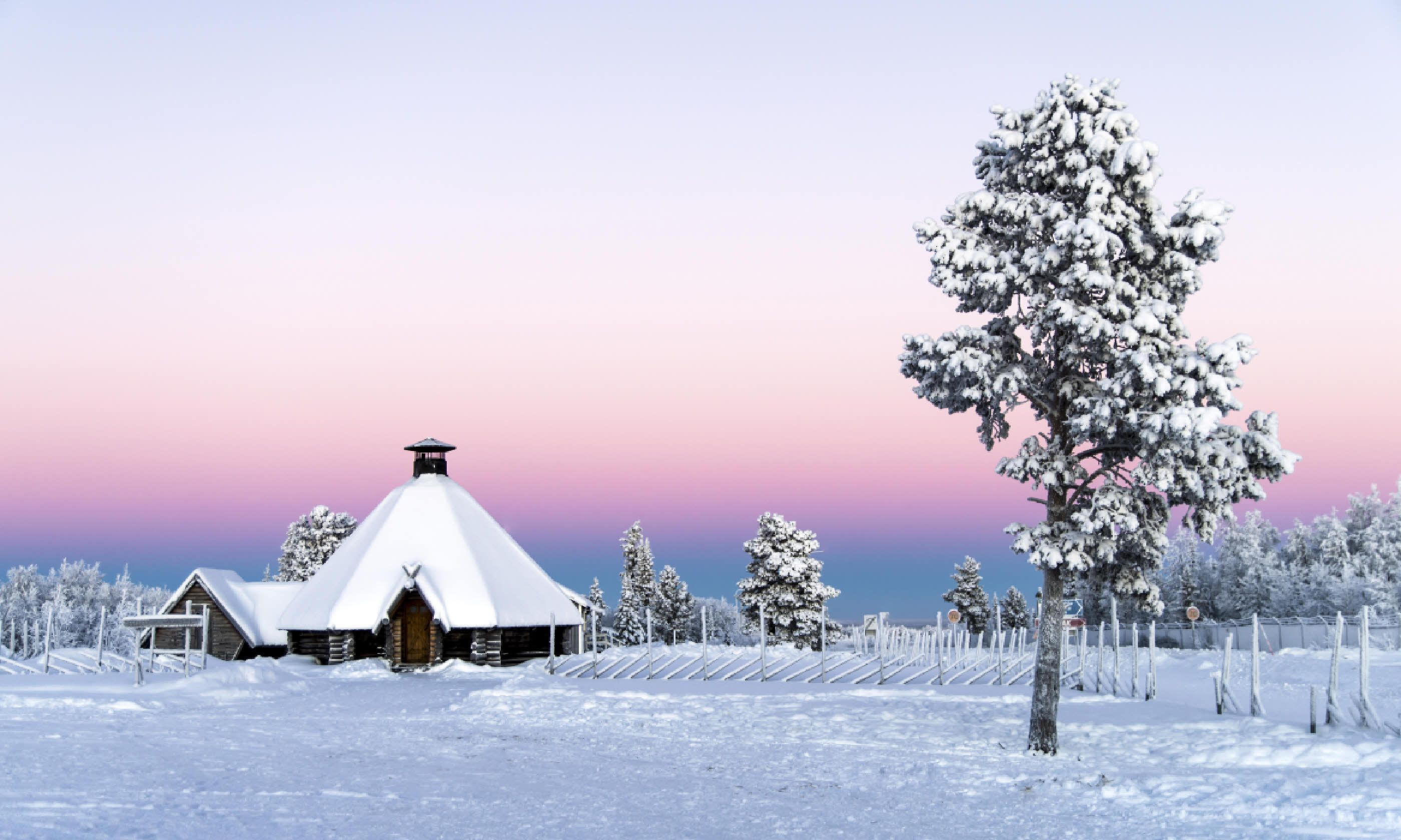 Sunset at Kiruna near Abisko (Shutterstock)