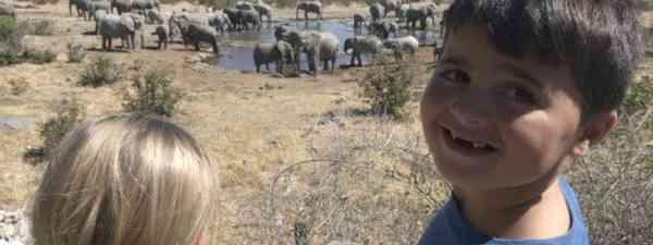 The Cagol kids watching elephants (Edwina Cagol)