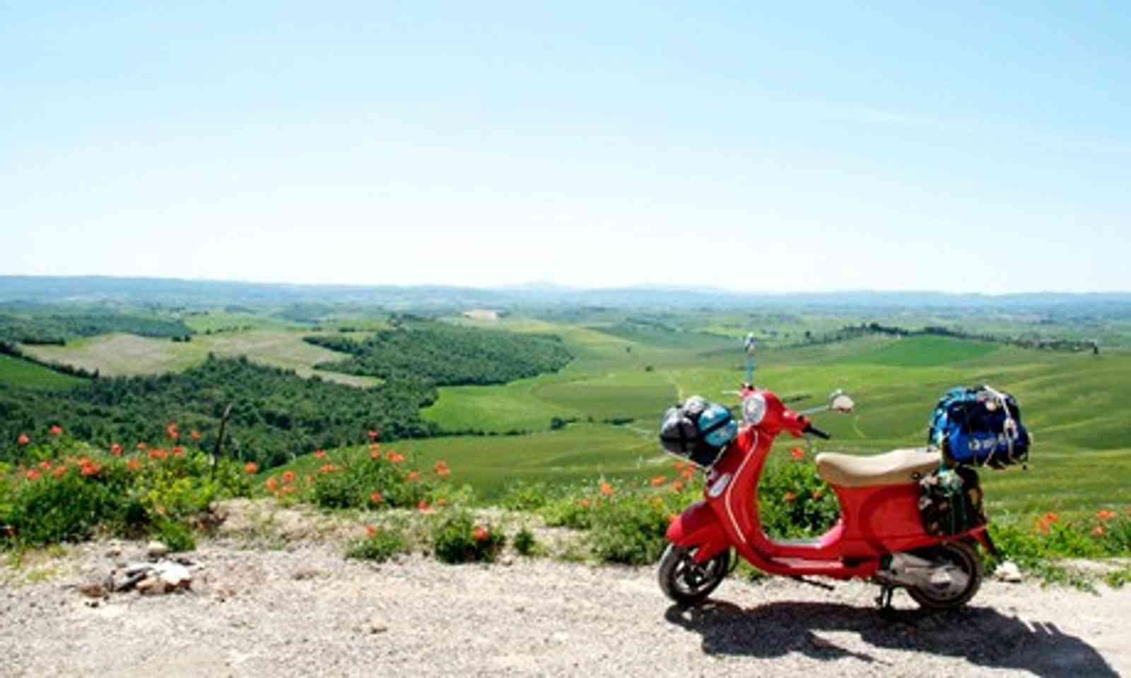 Vespa in Tuscany
