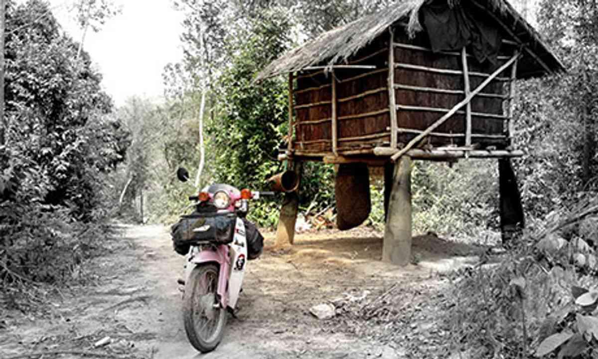 A bike and a hut (Ants Bolingbroke-Kent)
