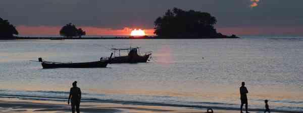 Sunset in Nai Yang (Jamie Furlong)