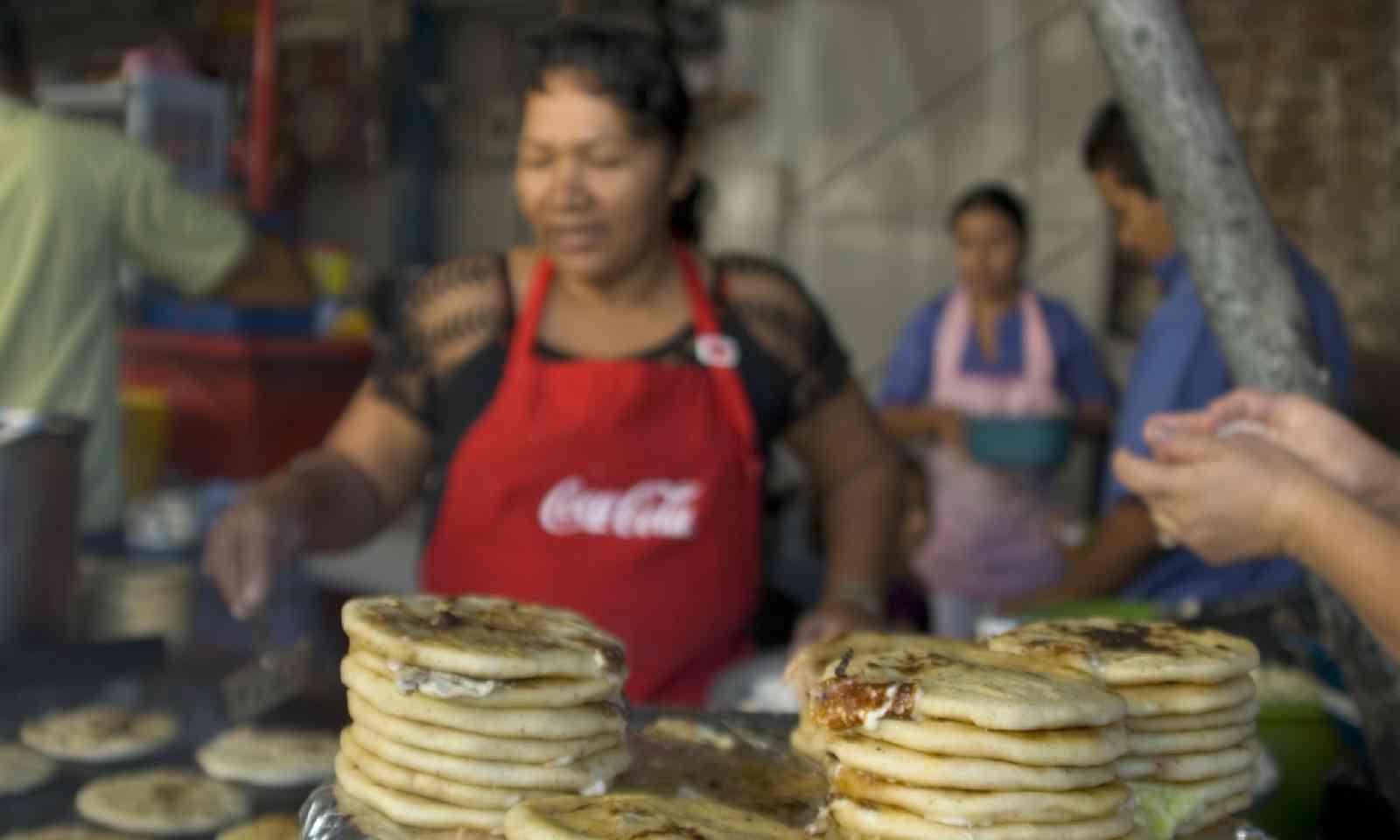 Street food in El Salvador (Shutterstock)