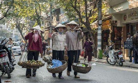Vietnamese Hawkers (Wanderlust)