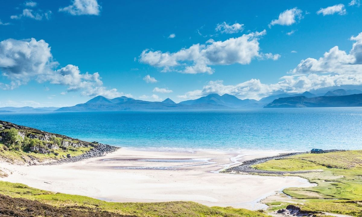 5 Mind-Blowing Remote UK Beaches To Explore