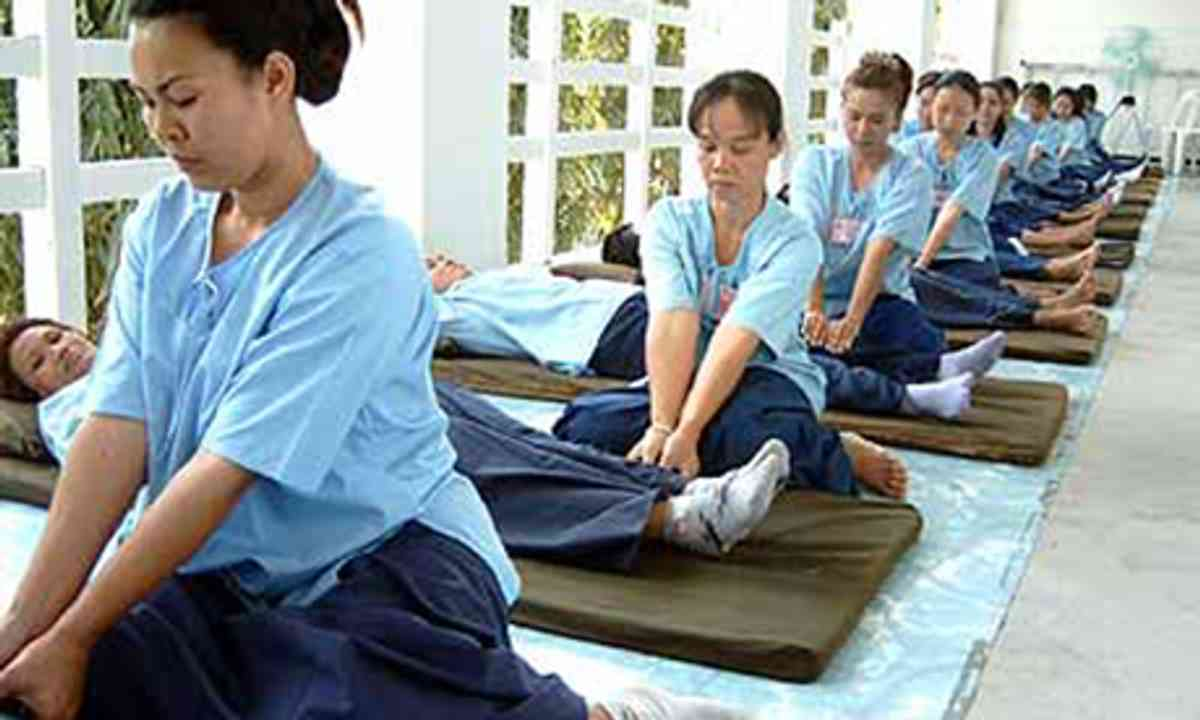 Thai Prisoner Massage (Chang Mai Women's Correctional Facility)