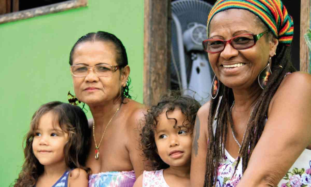 Edite do Santos and her family (photo: Nick Boulos)