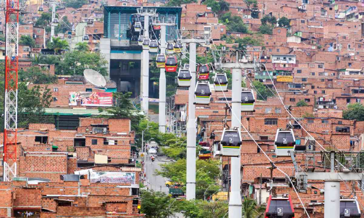 Metrocable cars arriving at a station in Medellin, Colombia (Shutterstock)