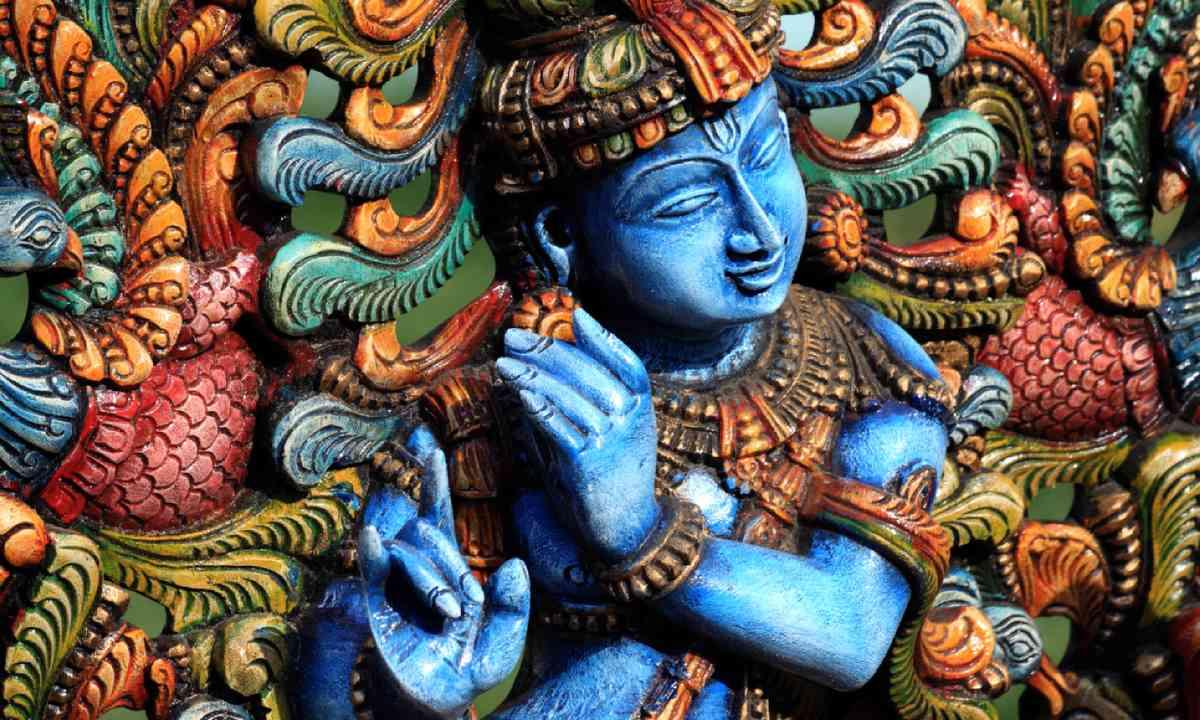 Wooden Statue of Krishna (Shutterstock)