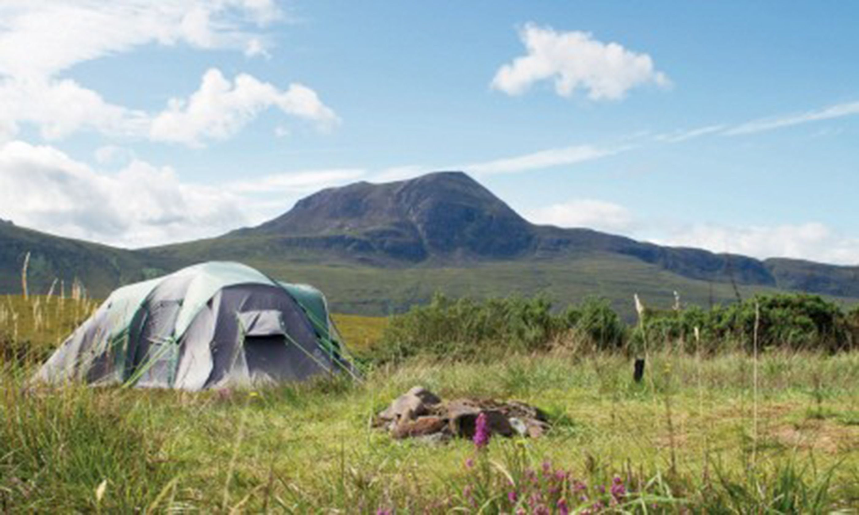 Camping in Scotland (Cool Camping)