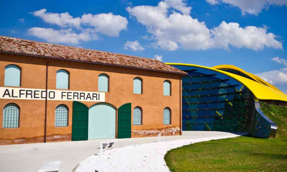 Museum Casa Enzo Ferrari (Shutterstock)