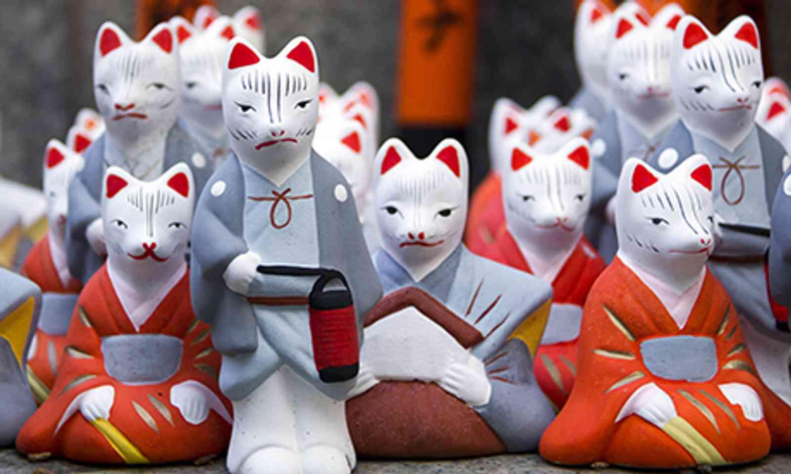 Little Foxes (Shutterstock.com)