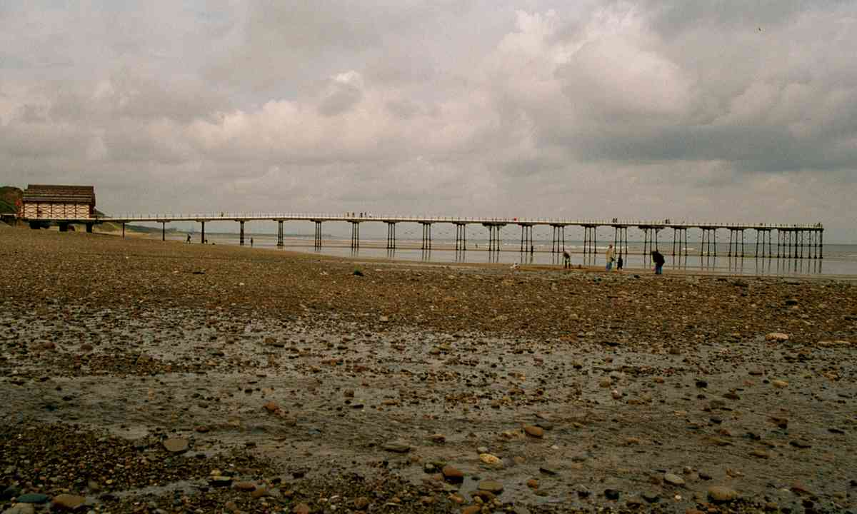 Saltburn Pier (Tim Phillips – British Seaside Piers)