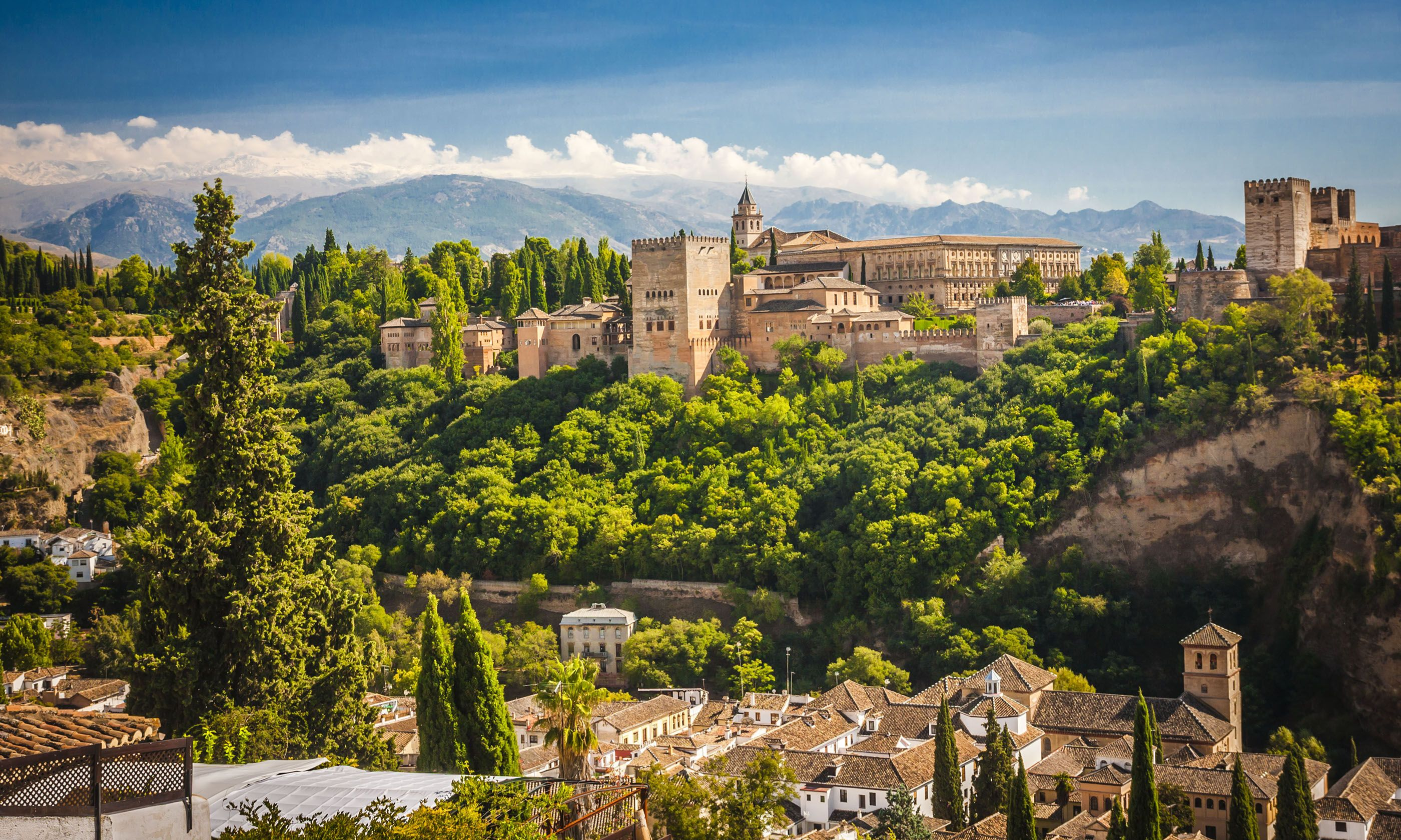 Alhambra, Granada (Shutterstock.com)