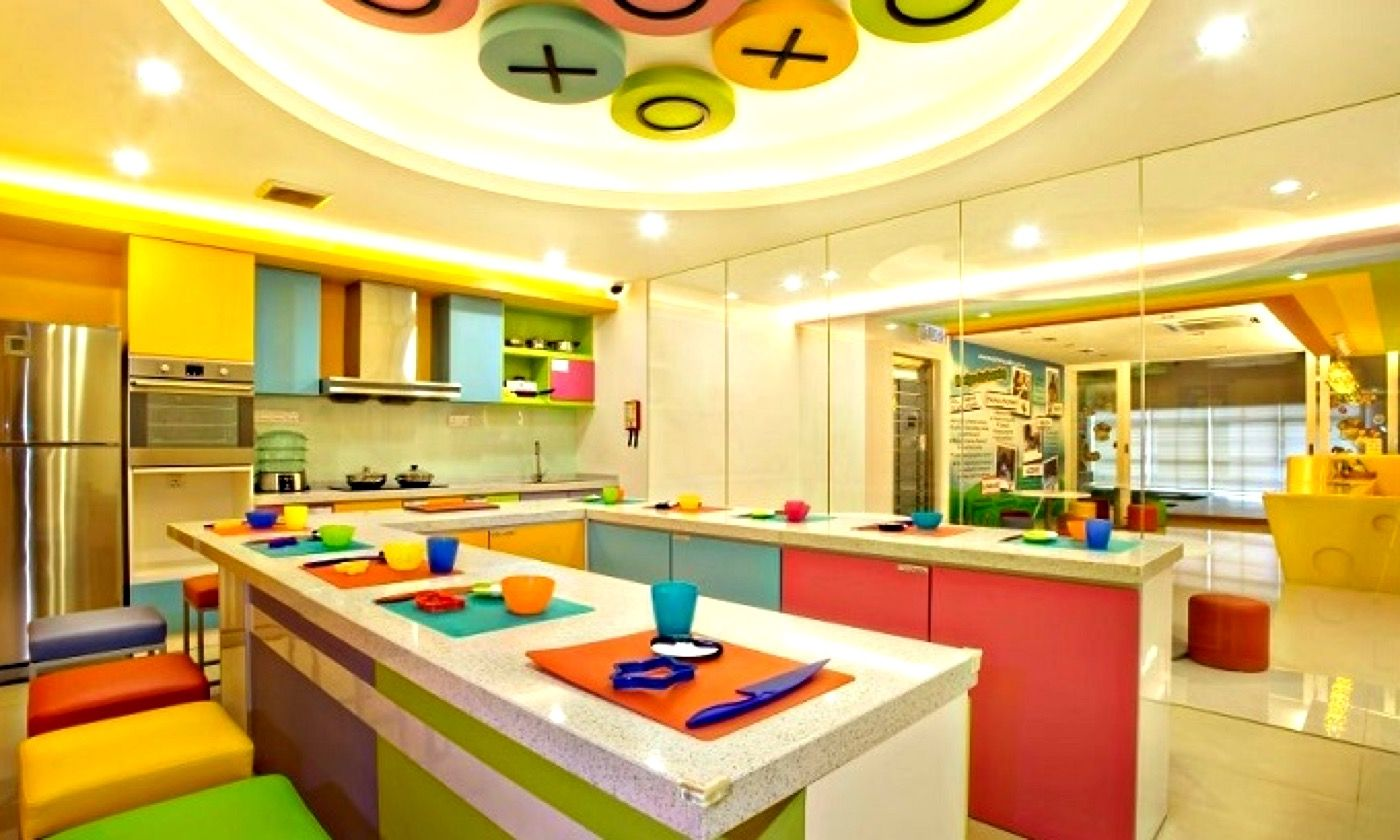 Colourful kitchen (Dreamstime)