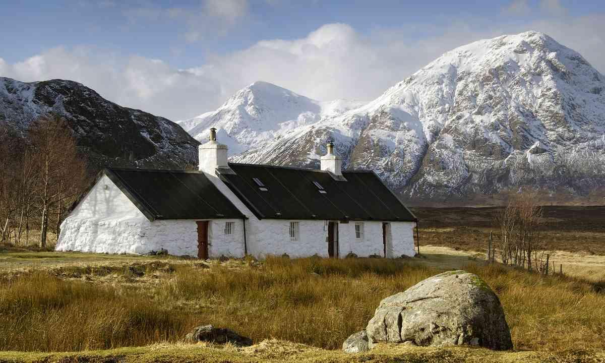 Glencoe Cottage (Shutterstock.com)