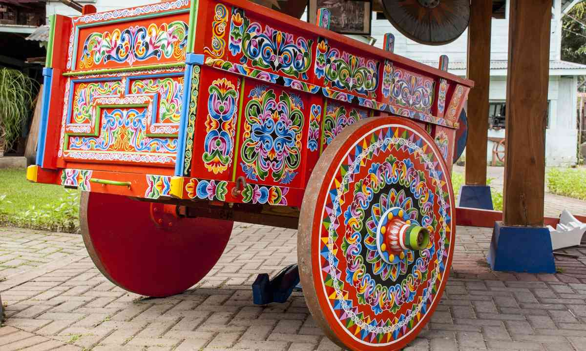 Painted Ox Cart in Costa Rica (Dreamstime)