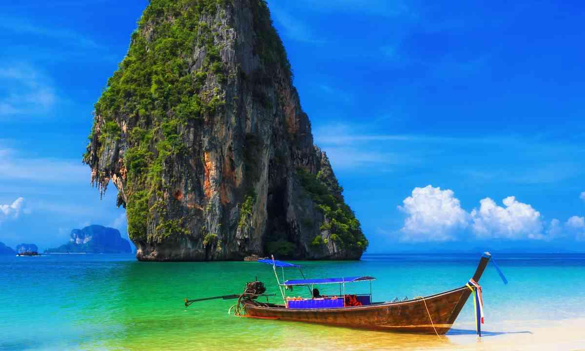 Thai beach (Shutterstock.com)
