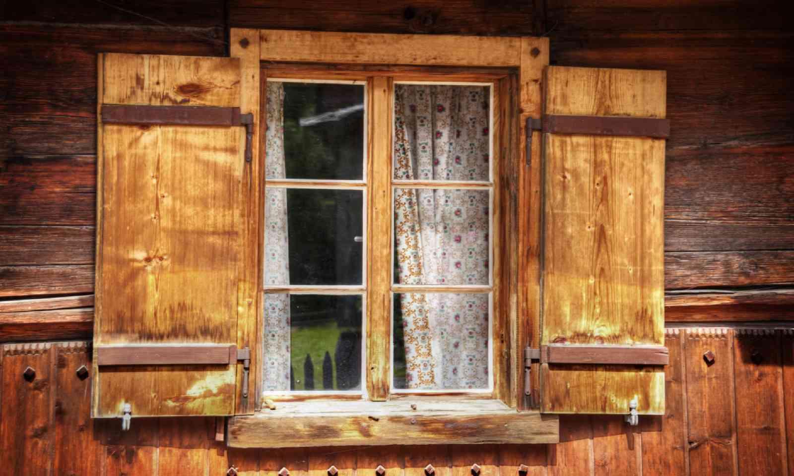 Old Tirolean window (Shutterstock)